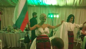 Българска булка подлуди мрежата с приказна сватбена рокля и танц! (ВИДЕО)